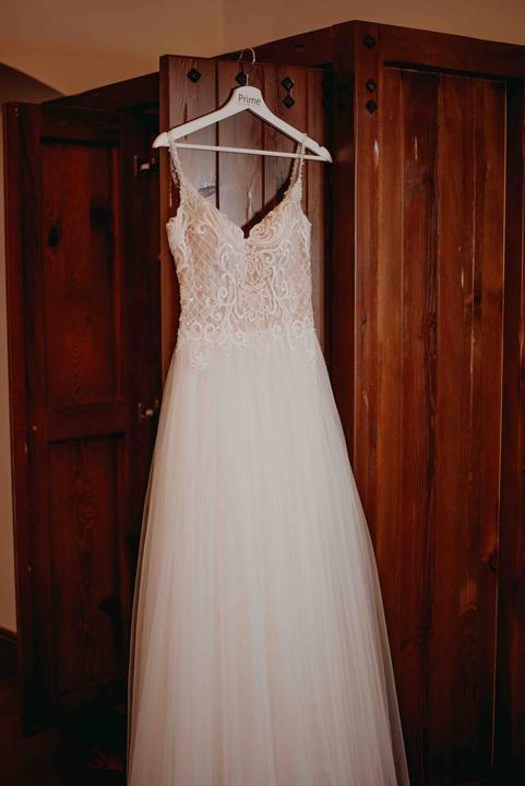 ľahké svadobné šaty