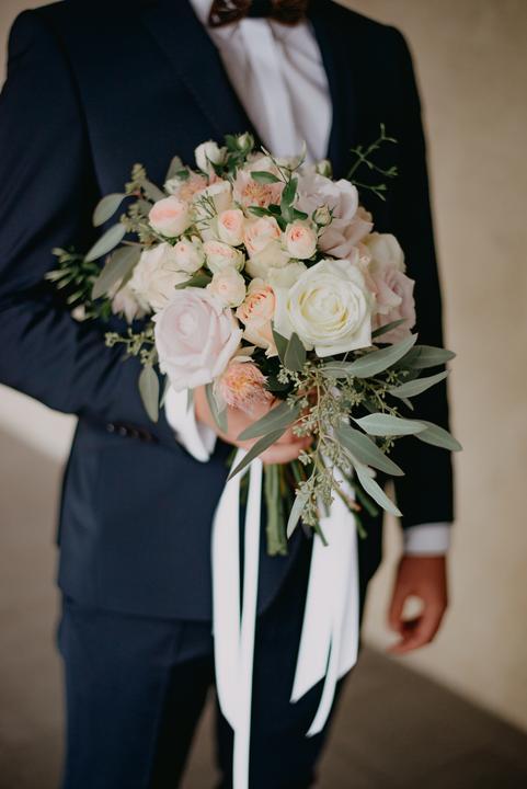 elegantná a romantická svadobná kytica