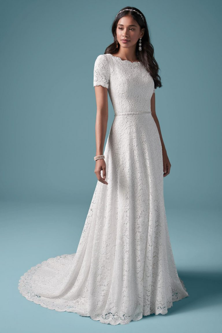 svadobné šaty s krátkym rukávom