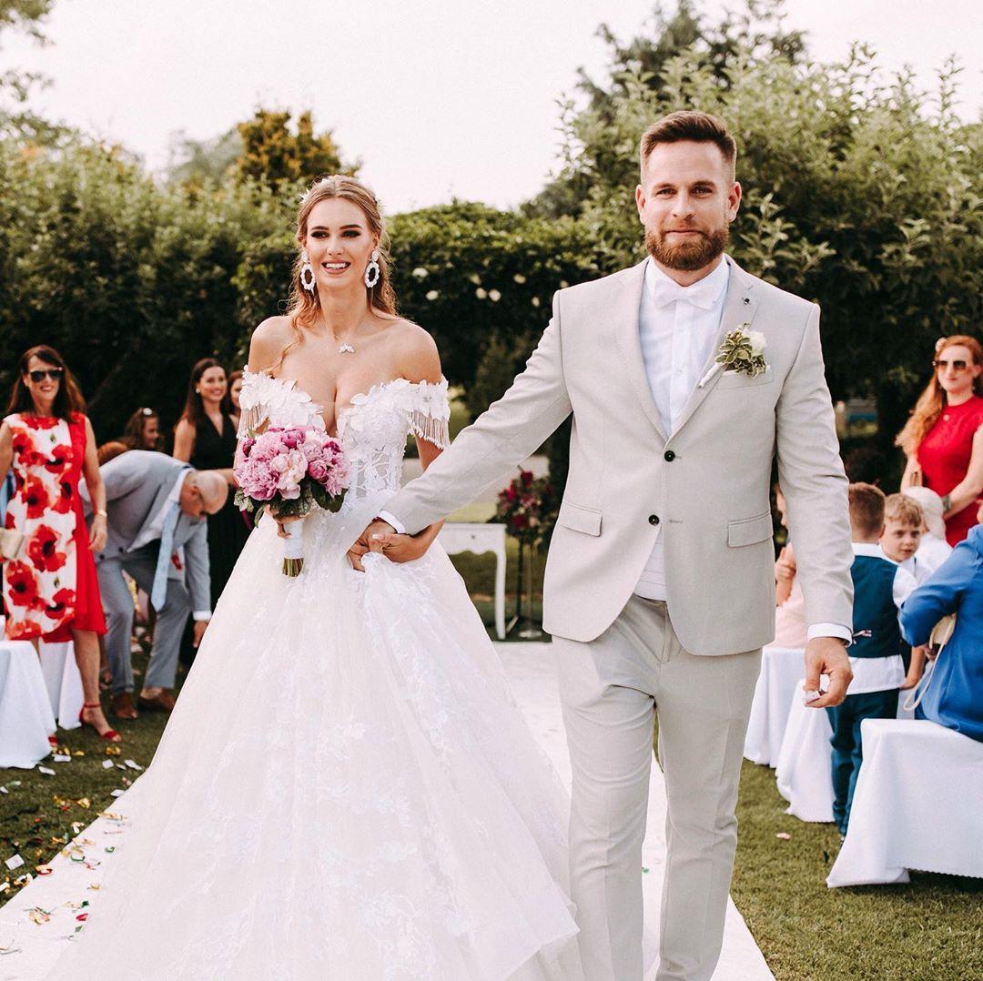 romantické svadobné šaty s ramienkami