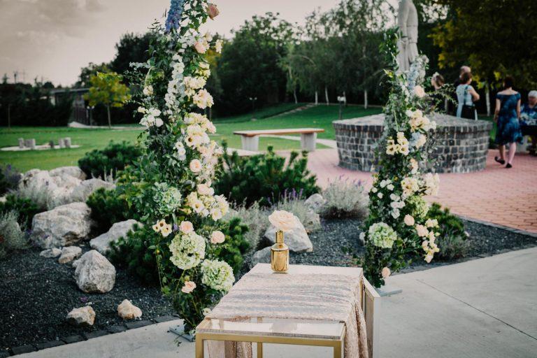 kvetinová svadobná slavobrána