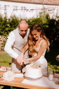 prírodná svadobná torta